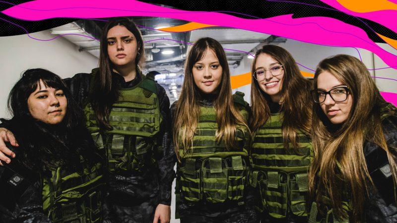 Foto do elenco da FURIA que venceu a segunda edição da Grrrls League